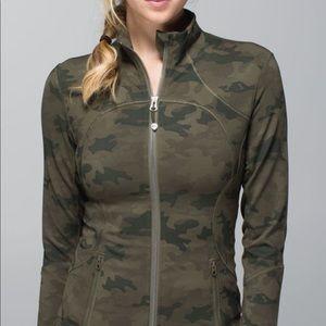 Lululemon Define Jacket in Savasana Camo size 8